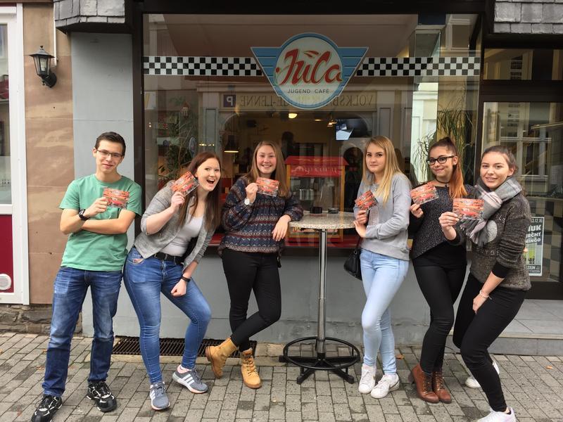 Am 12. November 2016 fand in der Hansestadt Attendorn die offizielle Eröffnung des Jugendcafés in der Niedersten Straße statt. Eine zusätzliche Party zur Eröffnung für alle Jugendlichen findet am Samstag, 26. November 2016, statt. © Jugendzentrum Attendorn